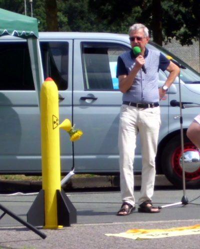 Hartmut Liebermann, BI Kein Atommüll in Ahaus, spricht auf der Kundgebung